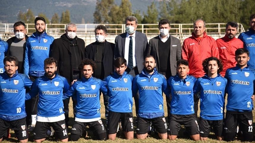 Kılınç'tan futbolculara moral ziyareti